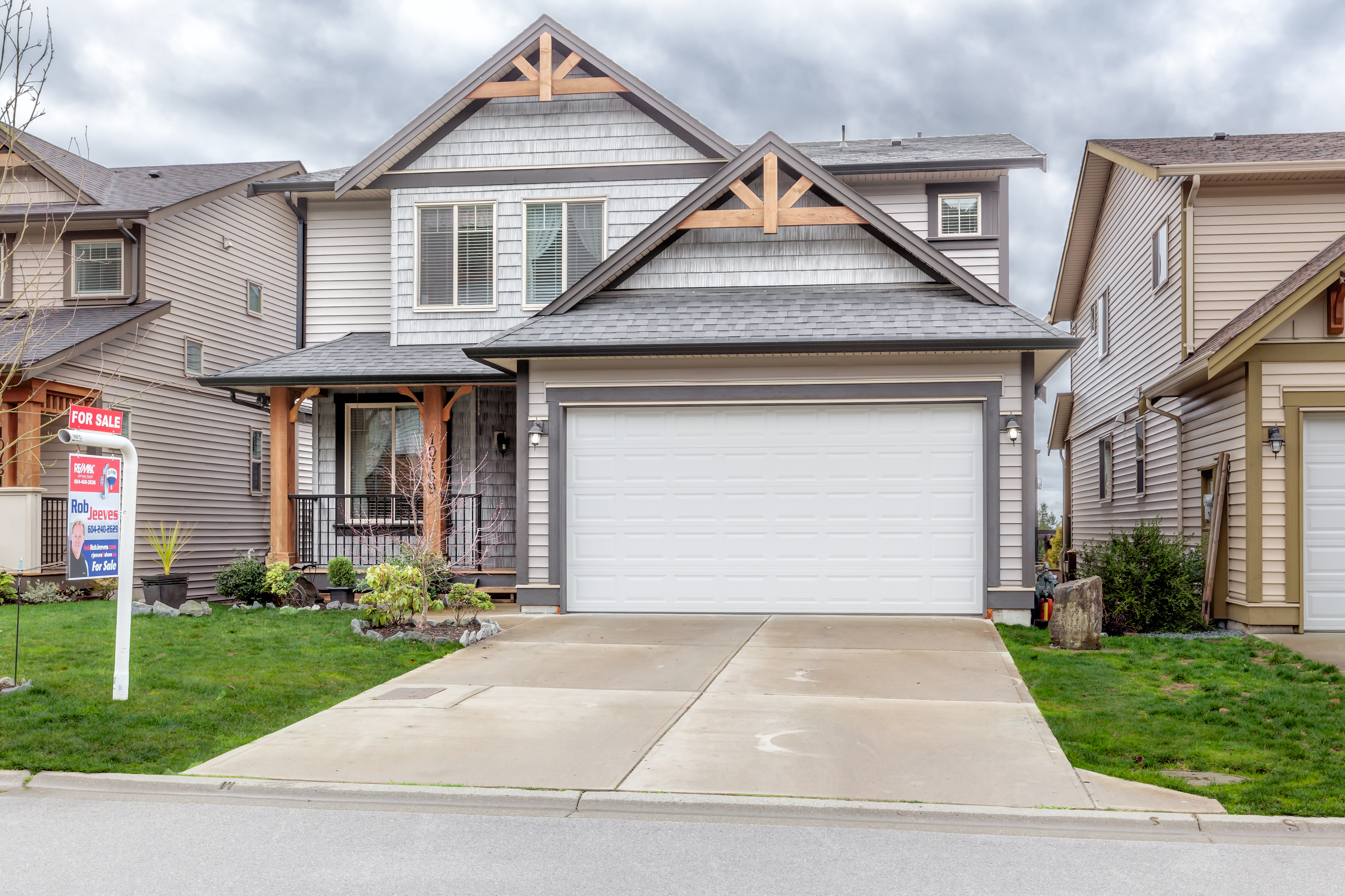 Wow! Beautiful 2 story home with basement