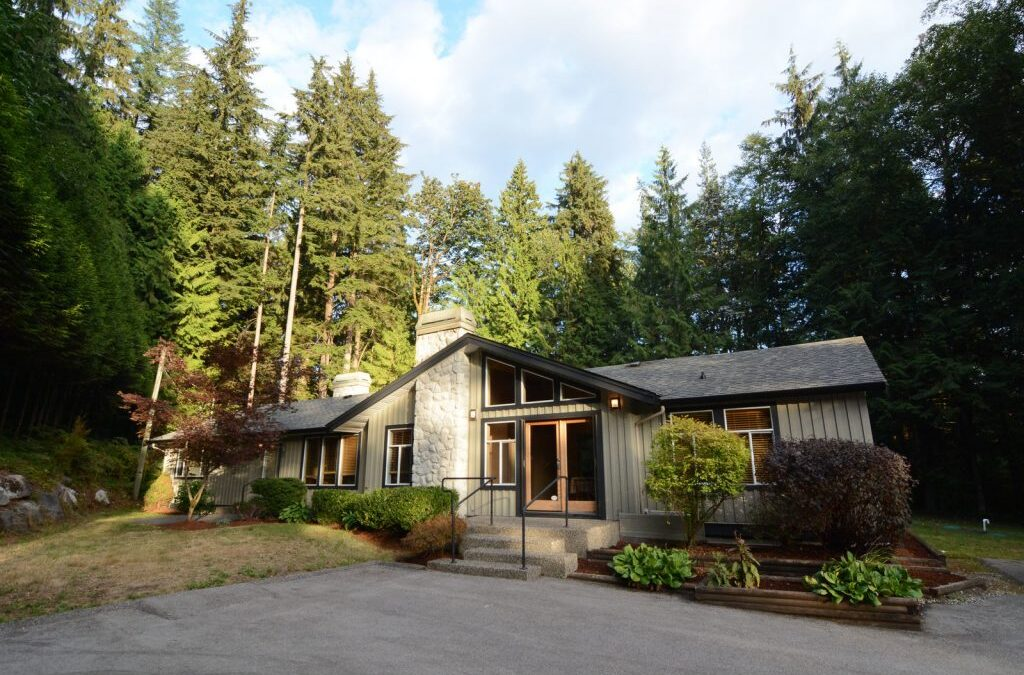 Stunning rancher with 3 car garage – 12380 269 Street Maple Ridge