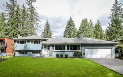 Just Listed!! Half acre in West Maple Ridge on Shady Lane 21455 124 AVE., Maple Ridge